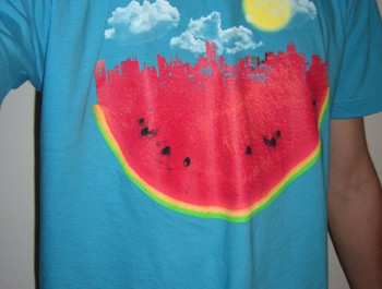 Hednez wearing Watermelon City by sustici