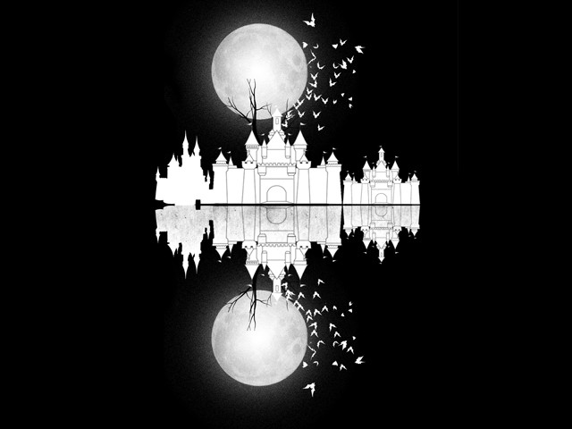 The castle under the moon