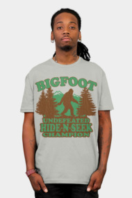 Bigfoot Hide-N-Seek (vintage distressed look)