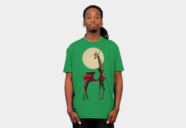 Giraffe T-Shirt - Design By Humans